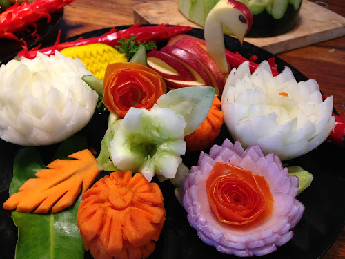 Fruit carving class in bangkok